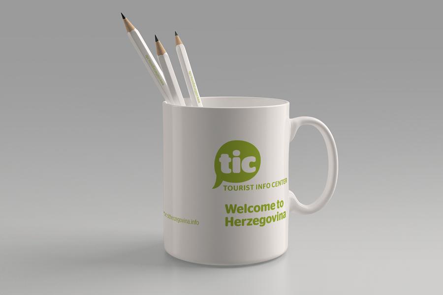 Dizajn logotipa i promotivni materijali oslikavanje šalice
