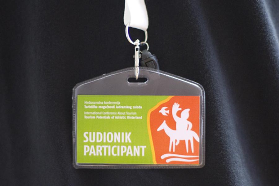 Međunarodna konferencija o turizmu, dizajn akreditacije